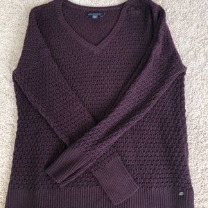 American eagle lightweight vneck sweater
